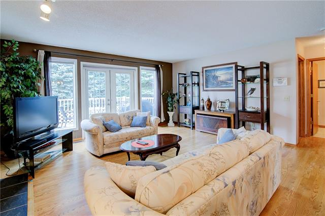 18 DOUGLASBANK GD SE, 2 bed, 2.1 bath, at $434,900