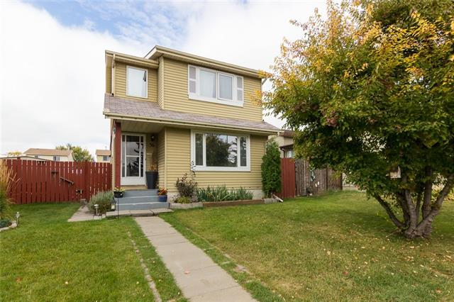 36 ERIN MOUNT CR SE, 3 bed, 2.1 bath, at $298,500