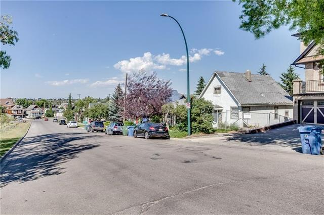 1106 BELLEVUE AV SE, at $668,000