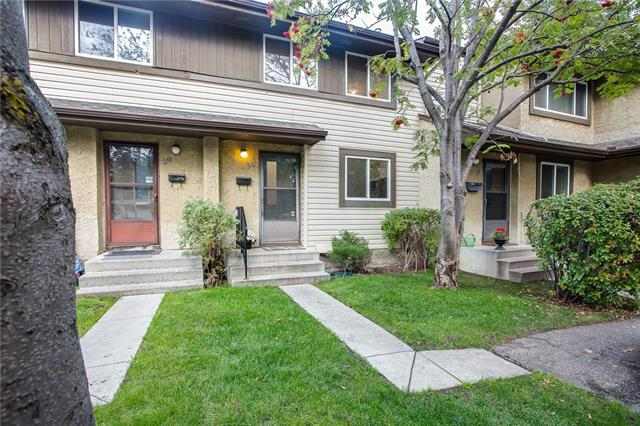 #30 310 BROOKMERE RD SW, 3 bed, 1.1 bath, at $255,000