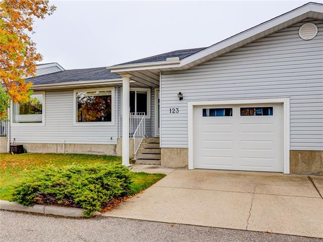 123 LINCOLN MR SW, 3 bed, 2 bath, at $334,900