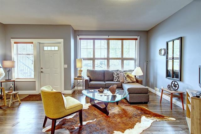 742 73 ST SW, 2 bed, 1 bath, at $284,900