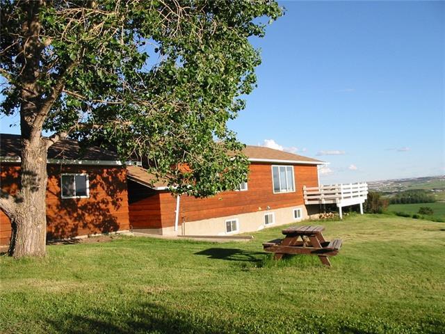 262217 Range Road 20  , 4 bed, 2.2 bath, at $975,000