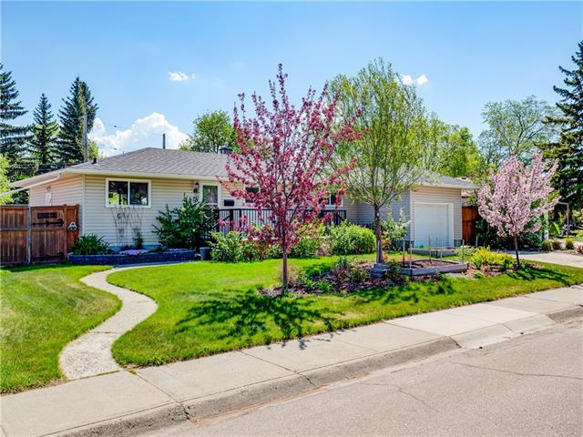 424 40 ST SW, 4 bed, 2 bath, at $619,900