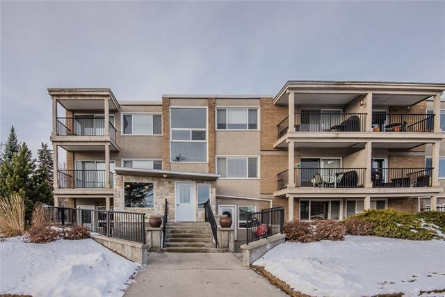 #19 4915 8 ST SW, 1 bed, 1 bath, at $259,900