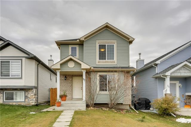92 SADDLEMONT RD NE, 3 bed, 1.1 bath, at $380,000