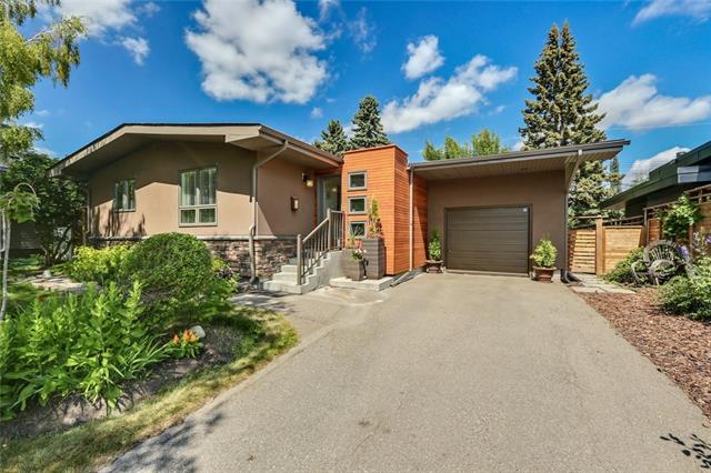 16 GOVERNOR DR SW, 4 bed, 2 bath, at $635,000