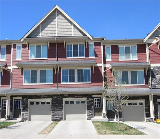 33 KINLEA WY NW, 2 bed, 2.1 bath, at $304,900