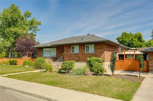 2 CATHEDRAL RD NW, 3 bed, 2.1 bath, at $699,900