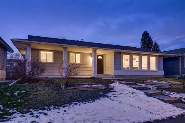 220 LAKE LUCERNE WY SE, 5 bed, 3 bath, at $799,000