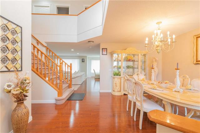 36 COVENTRY HILLS DR NE, 4 bed, 3.1 bath, at $488,888