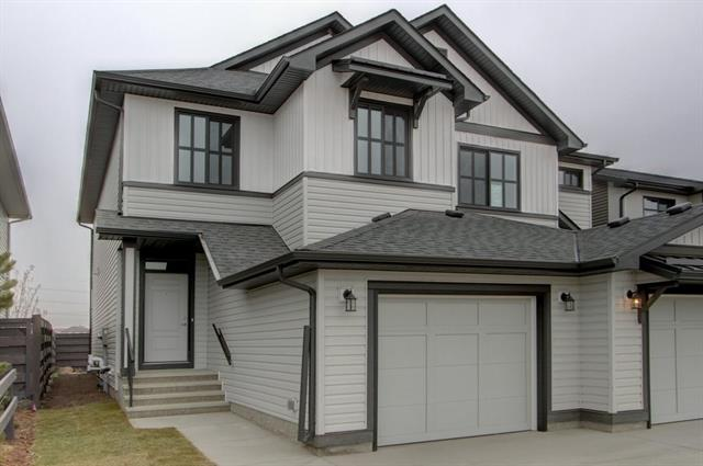 992 Seton CI SE, 3 bed, 2.1 bath, at $374,700