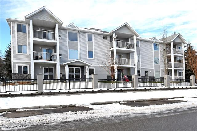 7301 VALLEYVIEW PA SE, 2 bed, 2 bath, at $200,000