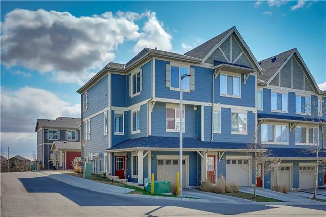 152 EVANSVIEW GD NW, 3 bed, 2.1 bath, at $324,900