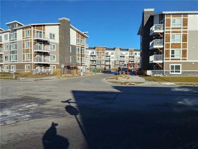 #4309 302 SKYVIEW RANCH DR NE, 2 bed, 1 bath, at $215,000