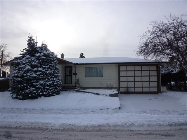 59 ROSSMERE RD SW, 4 bed, 2 bath, at $469,900