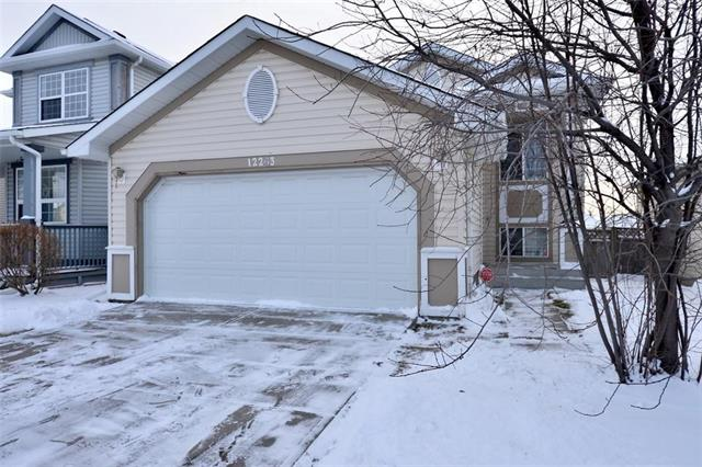 12263 Coventry Hills WY NE, 3 bed, 2 bath, at $379,000