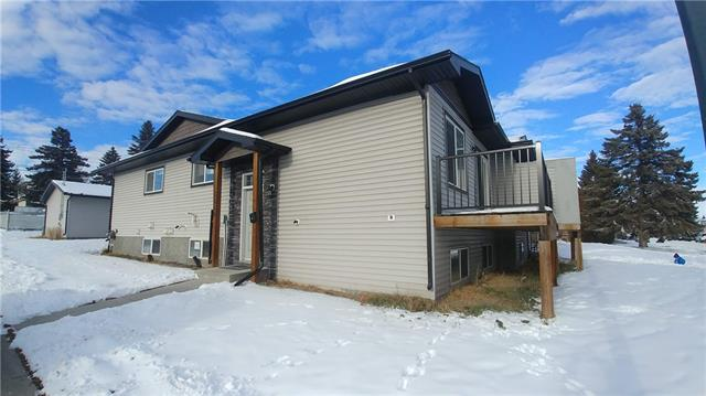 3550 12 AV SE, 6 bed, 4 bath, at $367,500