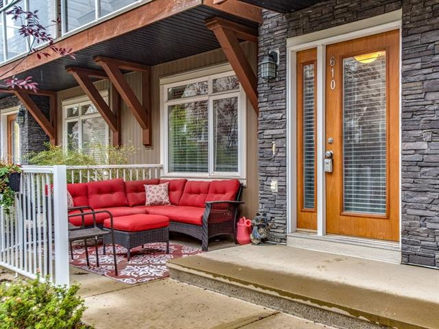 610 SKYVIEW POINT PL NE, 2 bed, 2.1 bath, at $279,500