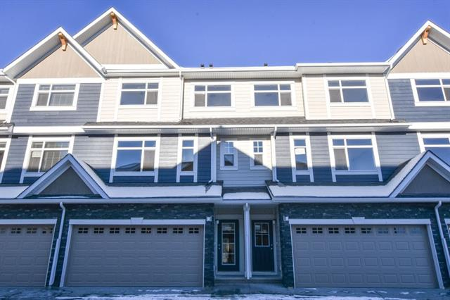 108 WENTWORTH RO SW, 3 bed, 2.1 bath, at $484,900