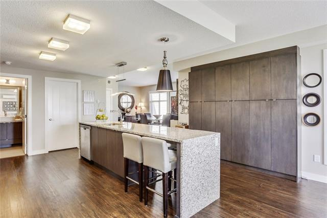 #308 25 ASPENMONT HT SW, 2 bed, 3 bath, at $498,000