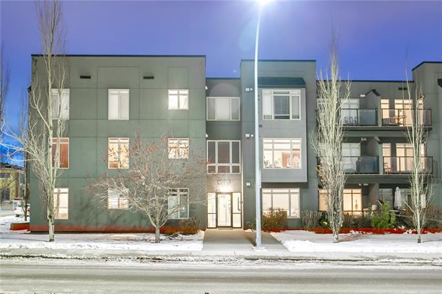 #209 1939 30 ST SW, 3 bed, 3 bath, at $519,900