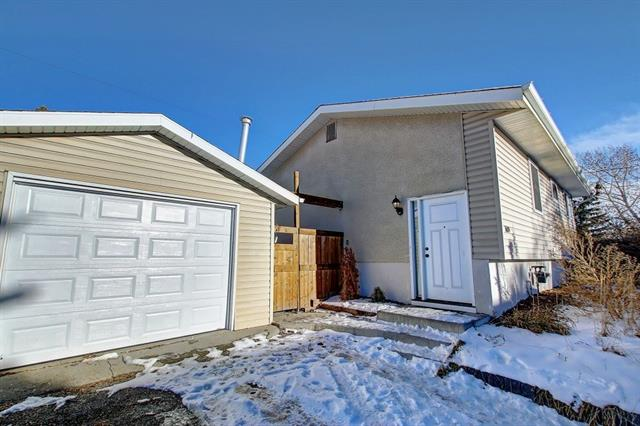 1609 OLYMPIA DR SE, 4 bed, 1.1 bath, at $309,623