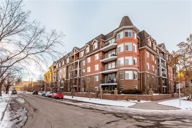 #513 60 24 AV SW, 2 bed, 2 bath, at $479,000