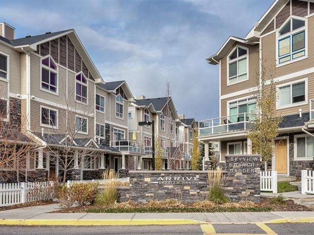 81 SKYVIEW RANCH GD NE, 2 bed, 2.1 bath, at $270,000