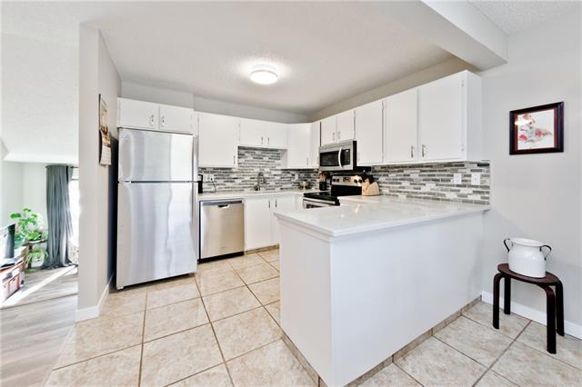 179 WOODVALE BA SW, 3 bed, 1.1 bath, at $319,900