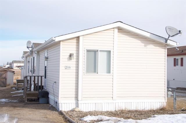 208 Cross ST , 3 bed, 2 bath, at $109,900