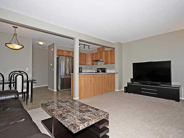 372 PANATELLA BV NW, 3 bed, 1.1 bath, at $299,888