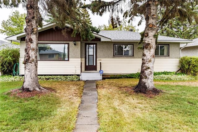908 41 ST SE, 4 bed, 2 bath, at $328,800