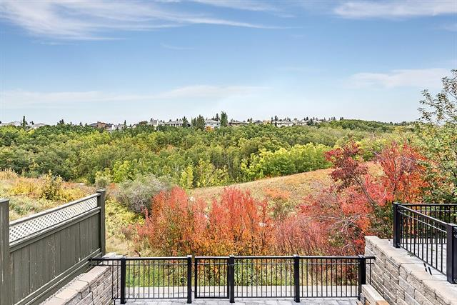 860 STRATHCONA DR SW, 3 bed, 3.1 bath, at $939,000