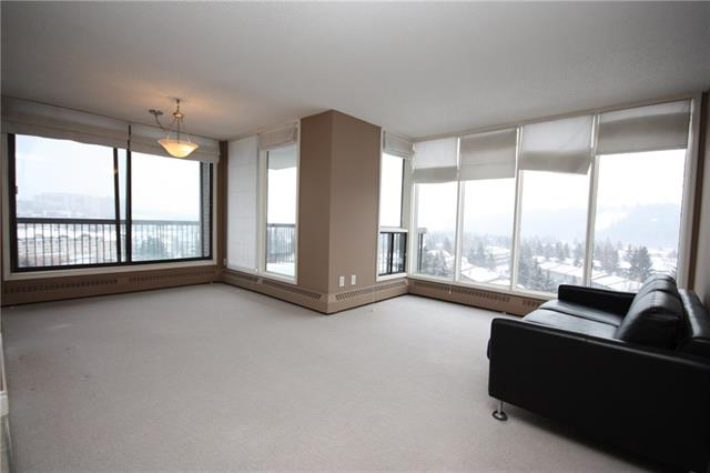 #907 145 POINT DR NW, 2 bed, 1.1 bath, at $235,000