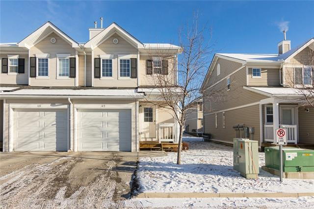 42 COUNTRY VILLAGE VI NE, 2 bed, 2.1 bath, at $319,900