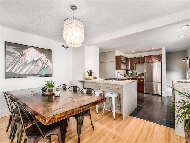 2827 36 ST SW, 4 bed, 2 bath, at $624,900