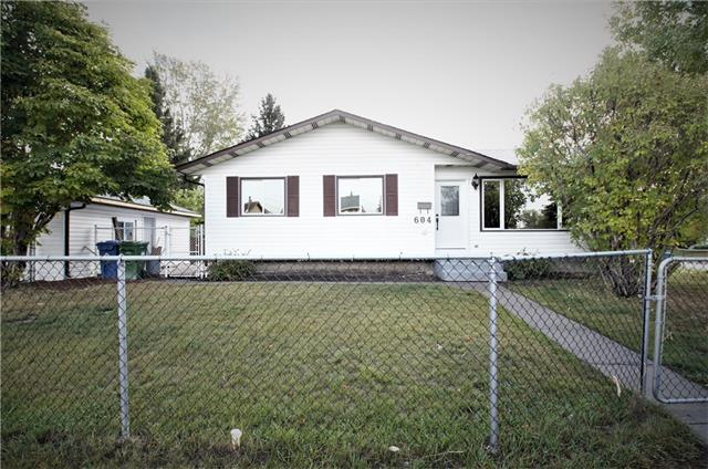 604 ABOYNE CR NE, 3 bed, 1.1 bath, at $388,900