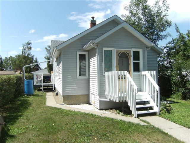 219 3rd AV NE, 2 bed, 1 bath, at $121,000