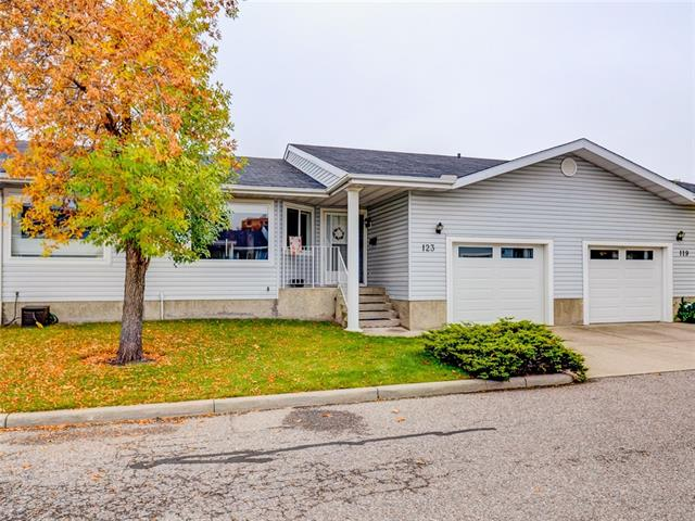 123 LINCOLN MR SW, 3 bed, 2 bath, at $299,000