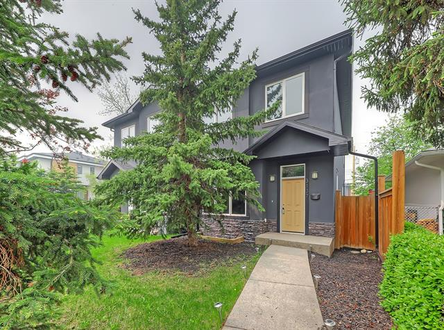 3137 44 ST SW, 4 bed, 3.1 bath, at $689,900