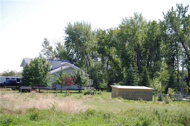 253027 Township Road 215A  , 4 bed, 3 bath, at $849,900