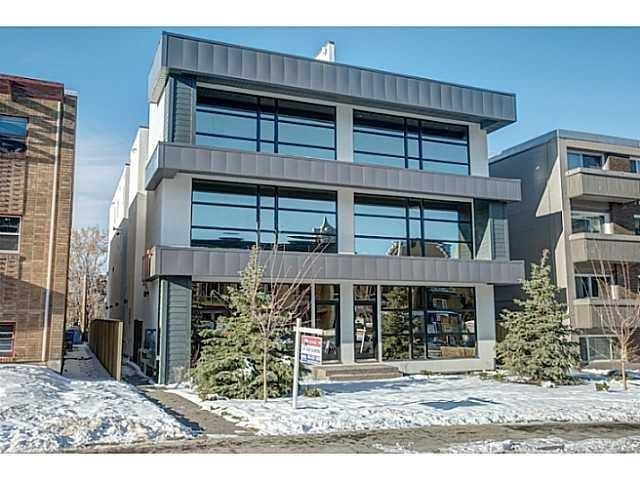 #2 1725 10 ST SW, 3 bed, 2.1 bath, at $849,900