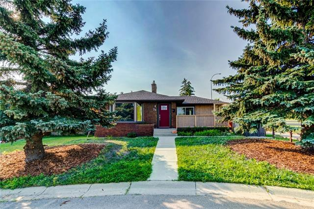 79 BEACONSFIELD WY NW, 4 bed, 3 bath, at $449,900