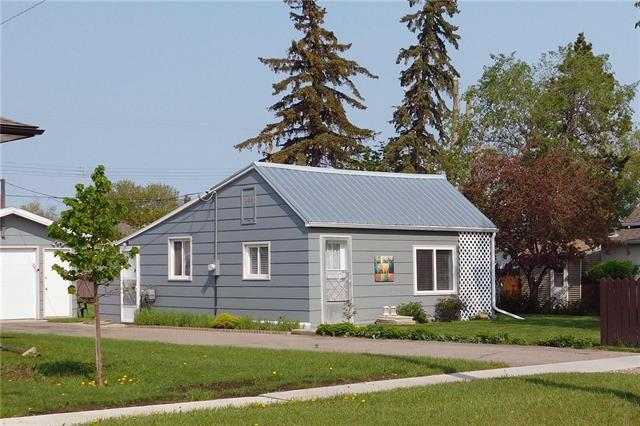5201 3A ST W, 1 bed, 1 bath, at $122,500