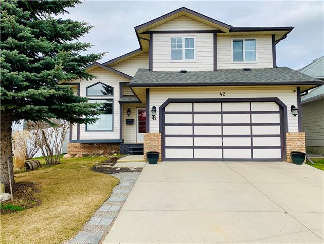 42 SHAWFIELD CO SW, 4 bed, 3.1 bath, at $475,000