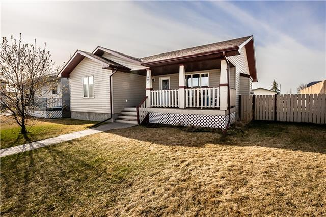 1807 4 AV SE, 3 bed, 2 bath, at $369,900