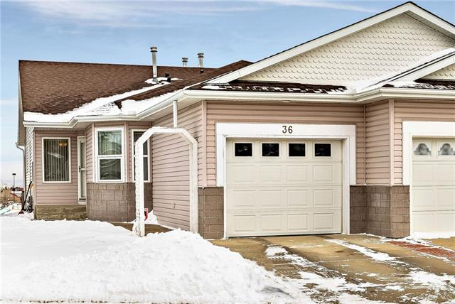 36 ARBOUR GROVE CL NW, 3 bed, 2.1 bath, at $400,000