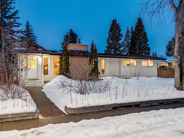 6512 LAURENTIAN WY SW, 4 bed, 2.1 bath, at $899,900