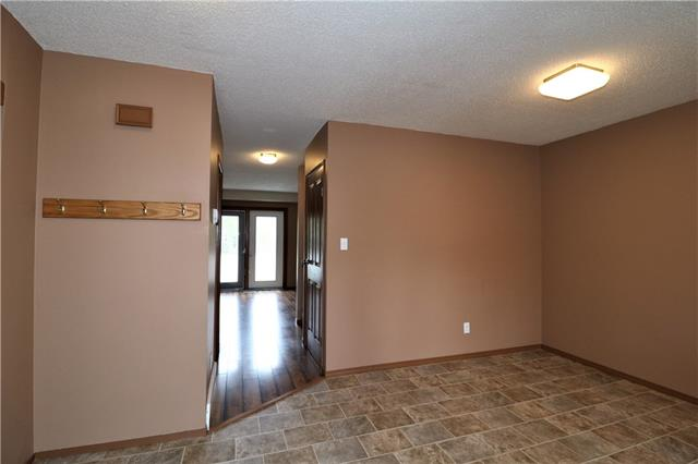 #2 420 Centre ST N, 3 bed, 1.1 bath, at $129,000